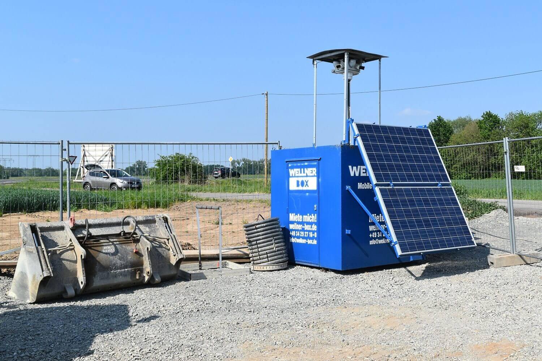 Die WellnerBOX ist dank Solarpanels ganzjährig autark