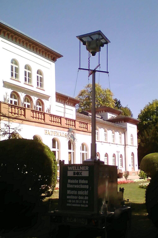 WellnerBOX vor der Stadtgalerie Bad Soden